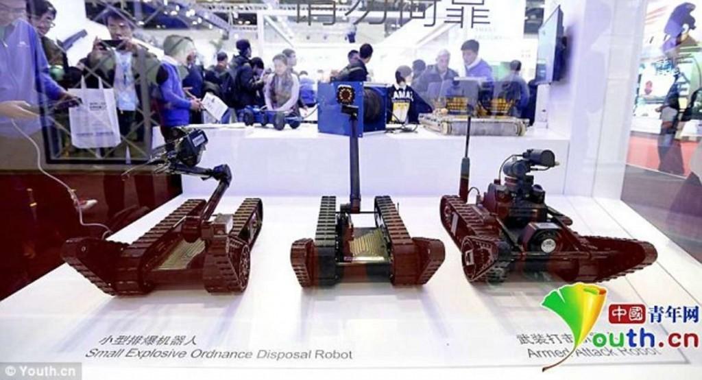 中国哈工大特种机器人研发部研发的武装反恐机器人
