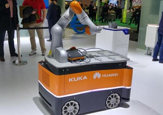 Huawei-KUKA-smart-manufacturing-robot