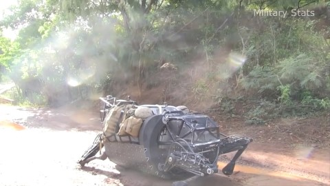 us-marine-corps-test-most-advanced-ls3-robot-support-system-720p0-mp4_20161118_140640-137-mobile