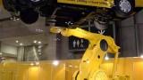 这台工业机器人自主学习一晚能get新技能