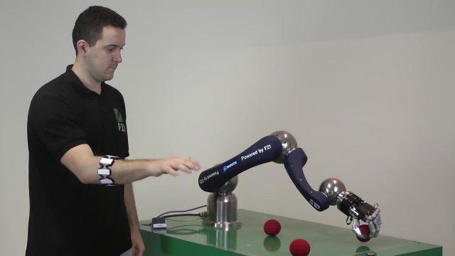 MYO机器人控制技术 也可应用到虚拟现实和物联网
